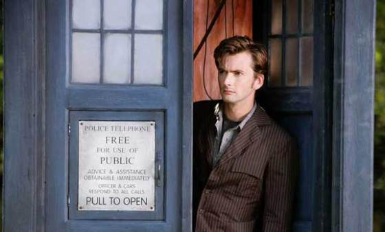 Doctor Who David Tennant outside the TARDIS