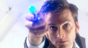 Tenth Doctor David Tennant uses the sonic screwdriver to... uh... I have no idea