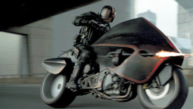 Dredd-2012-motorcycle-screenshot-660x372