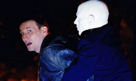 DrWho_Rose_Eccleston_Auton