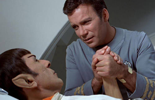 kirk-spock-hold-hands-star-trek